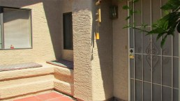 Alcove near front door with bench seating and tile floor - 945 N Pasadena, Mesa AZ - Park Centre Patio Homes - Bill Salvatore, Arizona Elite Properties 602-999-0952 - Arizona Real Estate