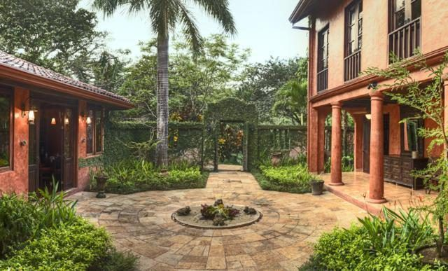 beautiful stone courtyard centered between two covered patios - Private courtyard - Mel Gibson's Costa Rica house for sale, Costa Rica Vacation property, Luxury home on Costa Rica - Bill Salvatore, Arizona Elite Properties 602-999-0952 - Costa Rica Real Estate for Sale