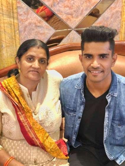 Shivam Mavi with his mother