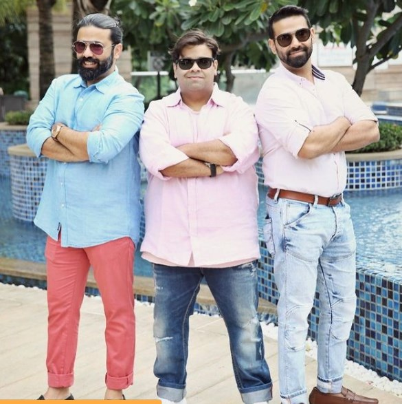 kiku sharda with his Brothers Sid Sharda & Sudarshan Sharda