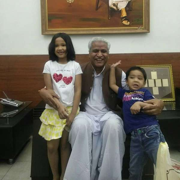 Ajay Tamta father with his grand son and daughter