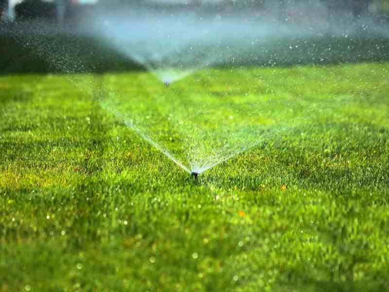 best way to water a 1 acre lawn, What is the Best Way to Water a 1 Acre Lawn?
