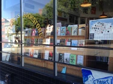 サンフランシスコの老舗インディ出版+書店 City Lights Books