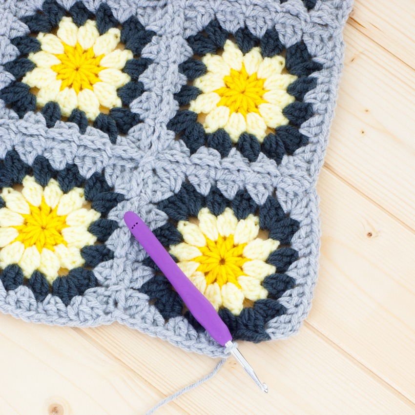 Granny Squares: How to Join-As-You-Go | You Should Craft
