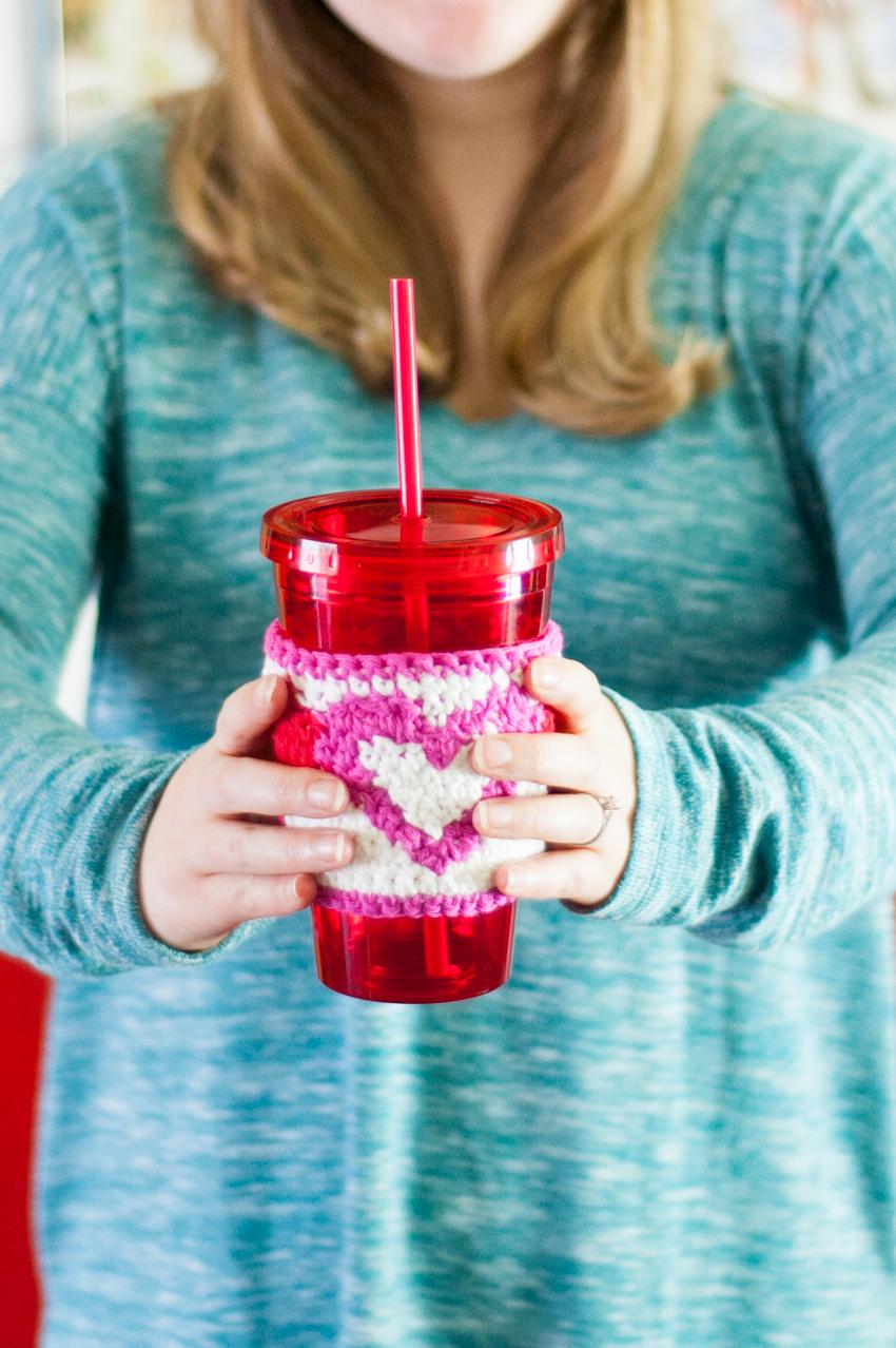 Tapestry Heart Cup Cozy | YouShouldCraft.com #crochet