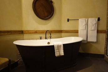 Devil's Thumb Ranch bathtub