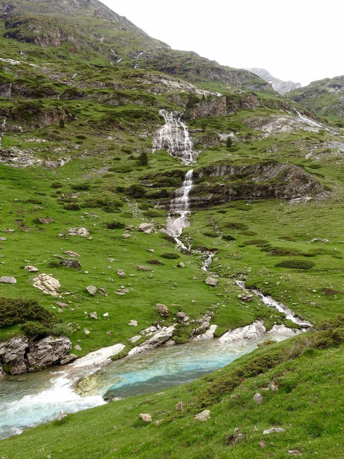 Cirque d'Estaubé Waterfall