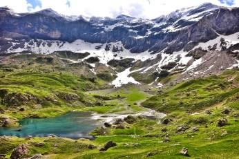 Cirque de Troumouse lake