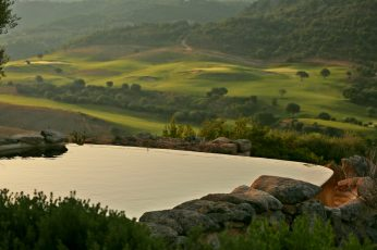 Domaine de Murtoli A Tiria pool sunrise
