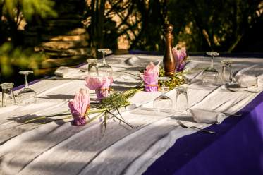 La Table de la Plage Murtoli table setting