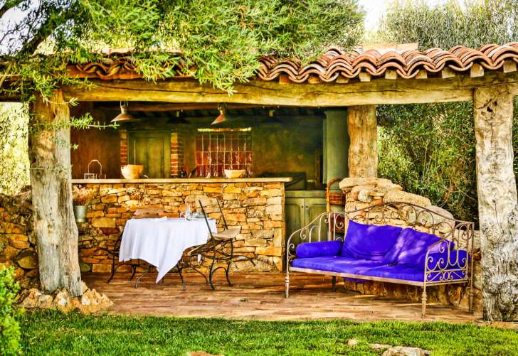 Domaine de Murtoli A Tiria outdoor kitchen