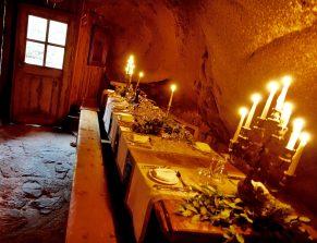 Domaine de Murtoli La Grotte candles long table