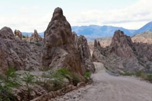 Ruta 40 Salta Argentina narrow road