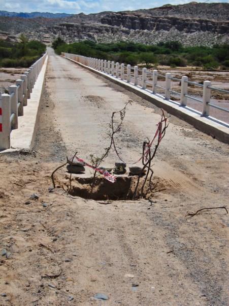 Ruta 40 Salta Argentina bridge damage