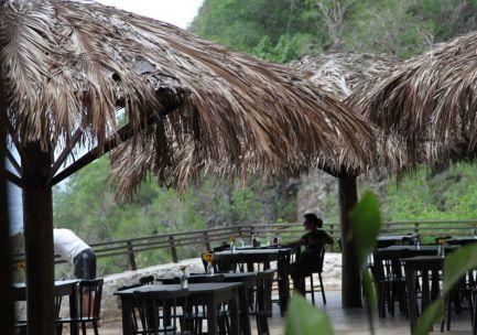 Praia do Sancho Fernando de Noronha bar