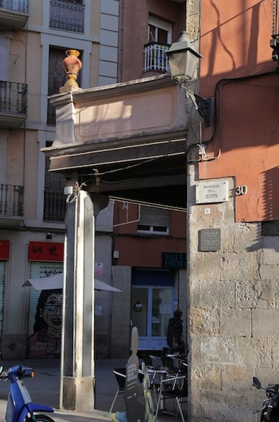 El Born building corner