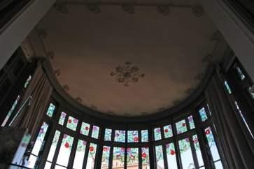 El Palauet Living glass windows