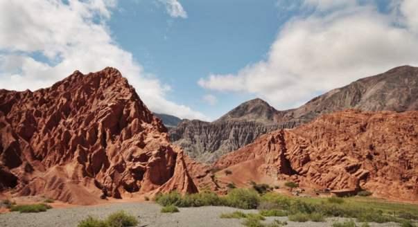 Paseo del Colorado Purmamarca Argentina valley