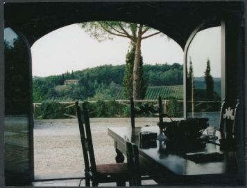 Villa Cerretello dining room view