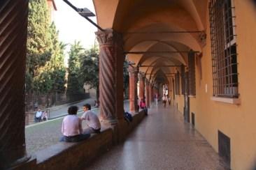 Bologna portico chatters