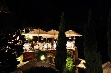 Il Pellicano dining terrace night