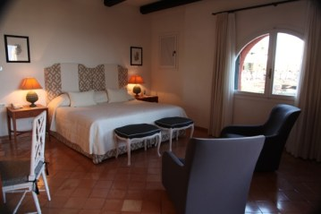 Il Pellicano bedroom