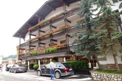 Hotel Rosa Alpina entrance