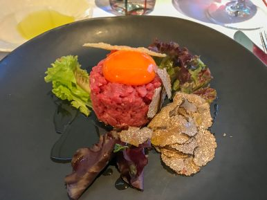 This is the tartare with black tuffles. OMG
