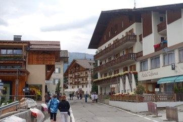 San Cassiano mainstreet shopping