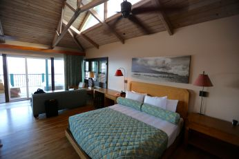 Travaasa bungalow bedroom