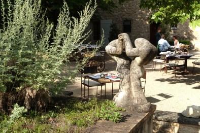 Bastide de Moustiers sculpture