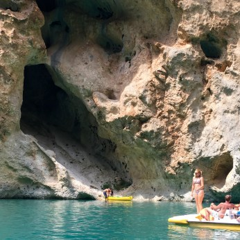Gorge du Verdon boater canyon