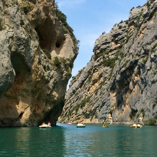 Gorge du Verdon boating in canyon