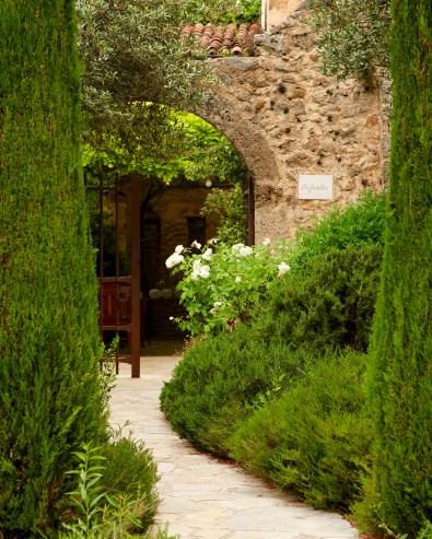 Bastide de Moustiers entrance