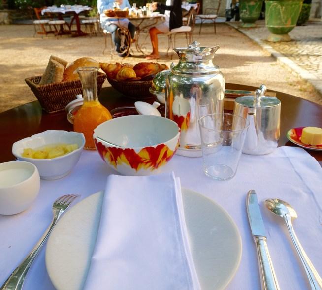 Bastide de Moustiers breakfast table