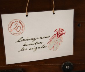 Bastide de Moustiers do not disturb sign