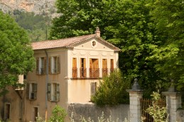 Moustiers-Ste-Marie house