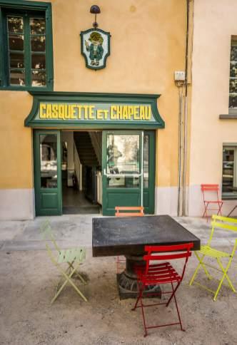 restaurant storefront Montolieu