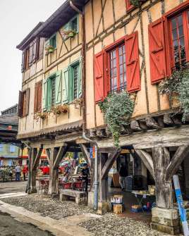 Mirepoix, Languedoc buildings