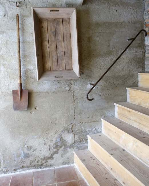 Camellas-Lloret stairway detail