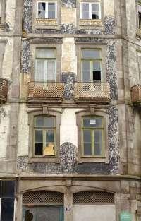 Porto decayed building.