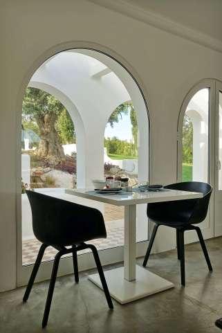 Casa Arte dining room