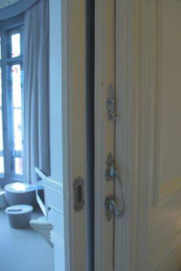 El Palauet Living doors