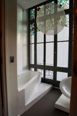 El Palauet Living bath room