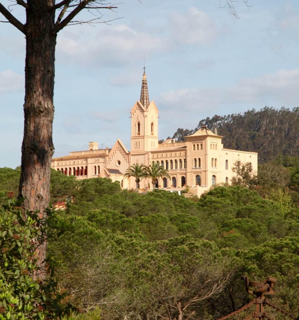 Sant Pere del Bosc hotel in park