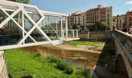 Girona river platform