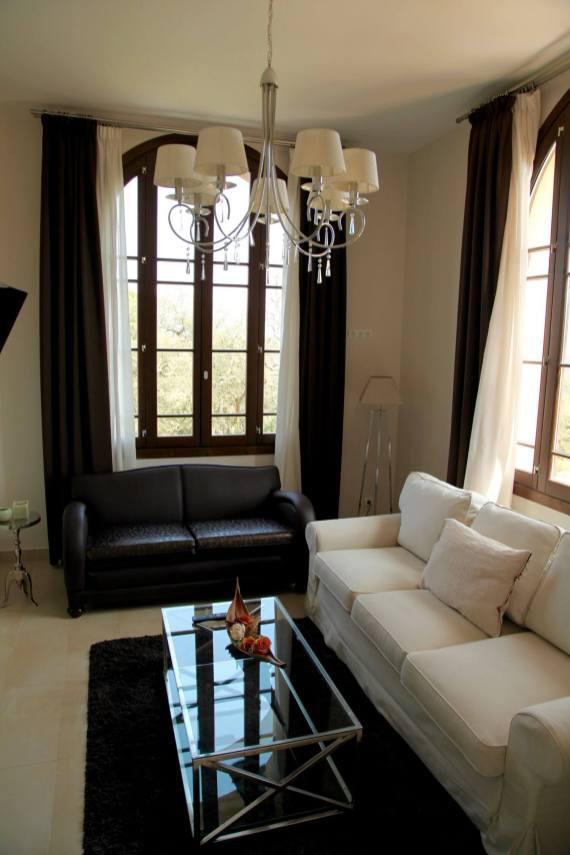 Sant Pere del Bosc bedroom sitting area