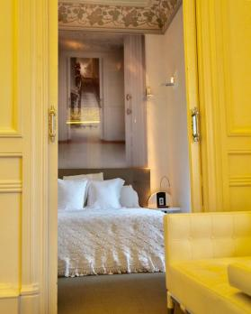 El Palauet Living master bedroom