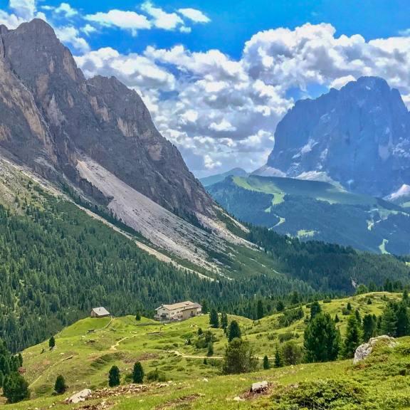 That next hut is where we're heading. Rifugio Firenze.