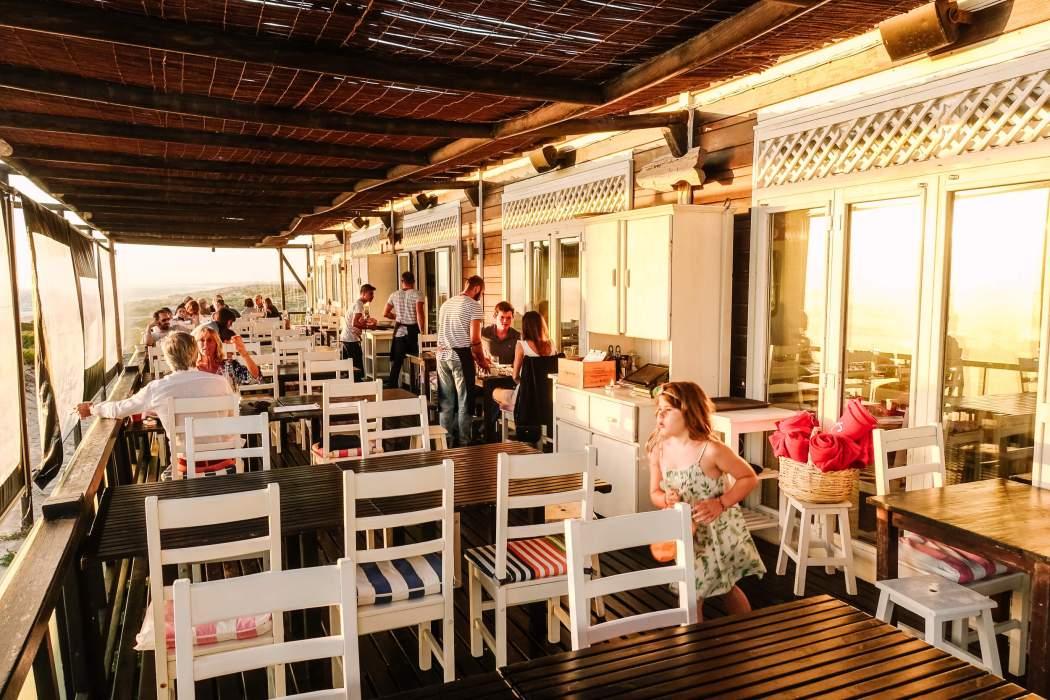 Restaurant Sal outdoor dining